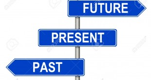 13830346-흰색-배경에-과거-현재-미래의-교통-표지
